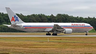 N39367 - Boeing 767-323(ER) - American Airlines