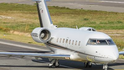 N925DD - Bombardier CL-600-2B16 Challenger 604 - Private