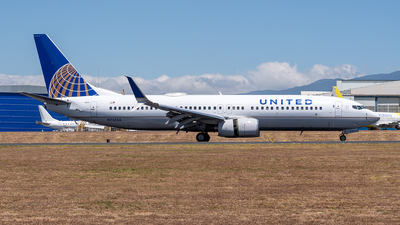 A picture of N76526 - Boeing 737824 - United Airlines - © Cristian Quijano