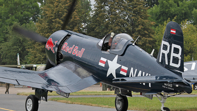 OE-EAS - Chance Vought F4U-4 Corsair - The Flying Bulls