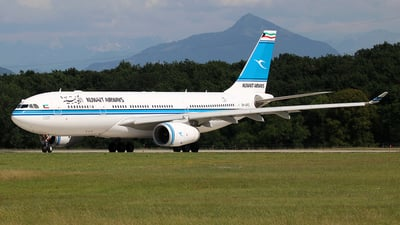 9K-APC - Airbus A330-243 - Kuwait Airways