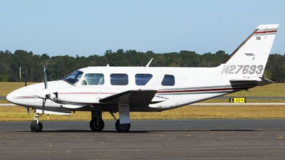 N27693 - Piper PA-31-325 Navajo C/R - Private