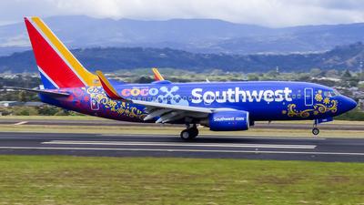 N7816B - Boeing 737-7L9 - Southwest Airlines