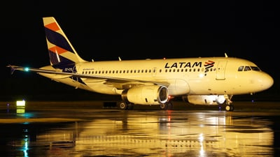 CC-CYL - Airbus A319-132 - LATAM Airlines