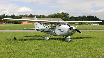 A picture of PHADE - Cessna F172M Skyhawk - [01118] - © Jeroen Stroes