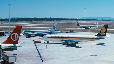 9V-BEY - Boeing 707-324C - Singapore Airlines