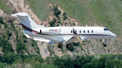 N754QS - Bombardier BD-100-1A10 Challenger 350 - NetJets Aviation