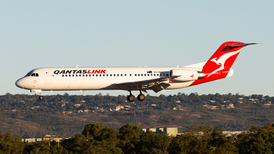 A picture of VHNHJ - Fokker 100 - Qantas - © Joel Baverstock