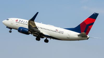 A picture of N309DE - Boeing 737732 - [29634] - © Angel Luis Reyes Herrera