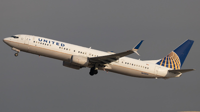 A picture of N63890 - Boeing 737924(ER) - United Airlines - © Luke Dogan