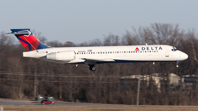 A picture of N919AT - Boeing 717231 - Delta Air Lines - © Jim Li