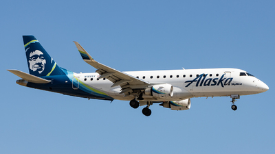 A picture of N189SY - Embraer E175LR - Alaska Airlines - © Sean Brink