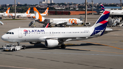 A picture of PRMYZ - Airbus A320214 - LATAM Airlines - © fachetti_spotter