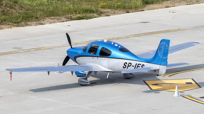 SP-IES - Cirrus SR22-GTS - Private