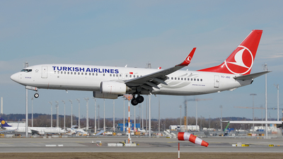 A picture of TCJGU - Boeing 7378F2 - Turkish Airlines - © Jan Seler
