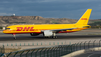 A picture of GBIKA - Boeing 757236(SF) - DHL - © sas1965