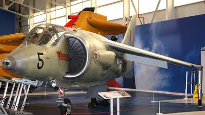 XS695 - Hawker Siddeley Kestrel FGA.1 - United Kingdom - Royal Air Force (RAF)