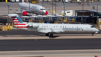 A picture of N745SK - Mitsubishi CRJ701ER - American Airlines - © Davin Amy