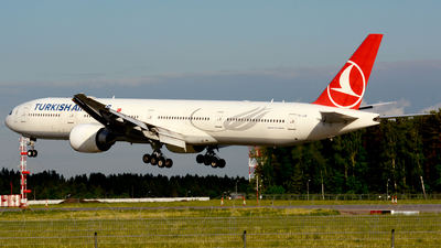 A picture of TCJJN - Boeing 7773F2(ER) - Turkish Airlines - © Fedor Kabanov