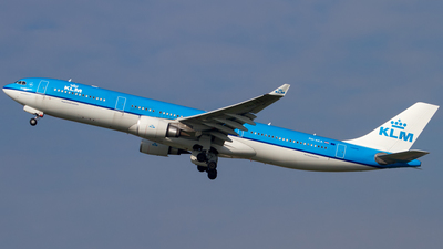 PH-AKA - Airbus A330-303 - KLM Royal Dutch Airlines
