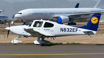 A picture of N832EF - Cirrus SR20 - [2377] - © Andrew Hunt