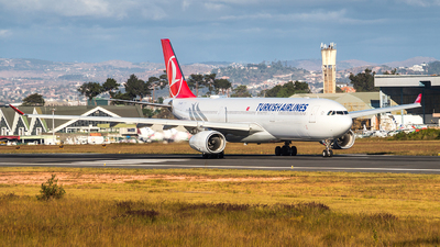 A picture of TCLOB - Airbus A330343 - Turkish Airlines - © Martin Le Penven