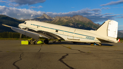 N305SF - Douglas DC-3C - Private