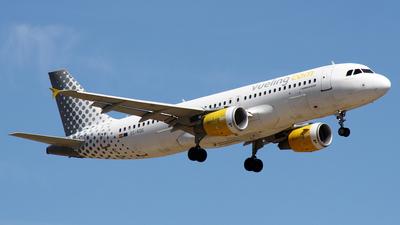 EC-KDG - Airbus A320-214 - Vueling
