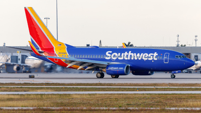 N908WN - Boeing 737-7H4 - Southwest Airlines