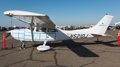 A picture of N521DJ - Cessna 182S Skylane - [18280858] - © Bruce Leibowitz