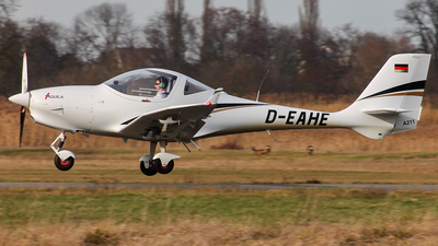A picture of DEAHE - Aquila A211 - [AT01100A339] - © jakobbaehre