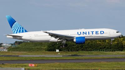 N78005 - Boeing 777-224(ER) - United Airlines