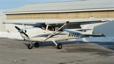 A picture of N1449C - Cessna 172S Skyhawk SP - [172S9892] - © SpotterPowwwiii