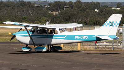 A picture of VHUWD - Cessna 172N Skyhawk - [17269865] - © Clinton_vern