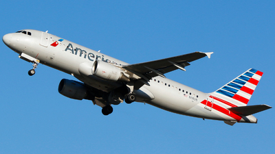 A picture of N119US - Airbus A320214 - American Airlines - © Alec Mollenhauer