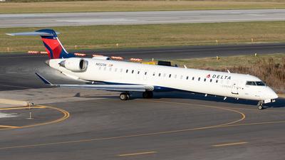 A picture of N832SK - Mitsubishi CRJ900LR - Delta Air Lines - © Felipe García