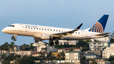 A picture of N152SY - Embraer E175LR - United Airlines - © Ricky Teteris