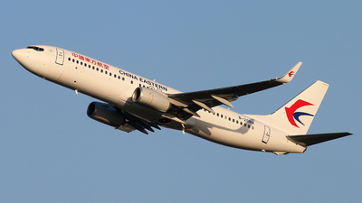 B-208U - Boeing 737-89P - China Eastern Airlines
