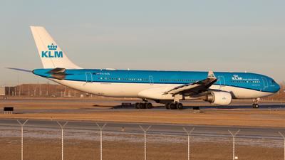 A picture of PHAKB - Airbus A330303 - KLM - © Alex Praglowski