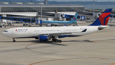 N851NW - Airbus A330-223 - Delta Air Lines