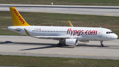 TC-DCE - Airbus A320-214 - Pegasus Airlines