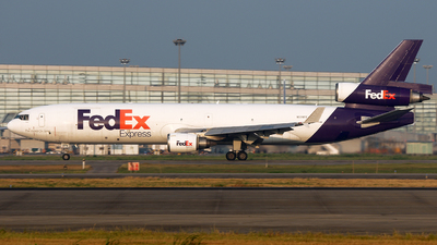 A picture of N574FE - McDonnell Douglas MD11F - FedEx - © Michael Tang