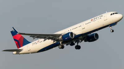 A picture of N108DN - Airbus A321211 - Delta Air Lines - © Hudson Garber
