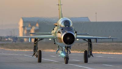 071 - Mikoyan-Gurevich MiG-21UM Lancer B - Romania - Air Force