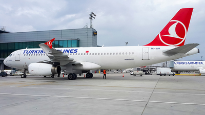 TC-JUK - Airbus A320-232 - Turkish Airlines