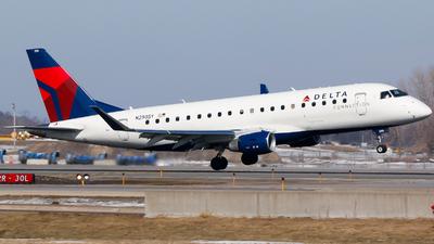 A picture of N290SY - Embraer E175LL - Delta Air Lines - © Alec Mollenhauer