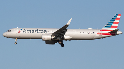 A picture of N409AA - Airbus A321253NX - American Airlines - © DreamRiser
