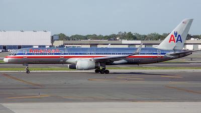 N185AN - Boeing 757-223 - American Airlines
