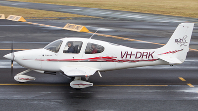 A picture of VHDRK - Cirrus SR20 - [1441] - © Toby Mohr