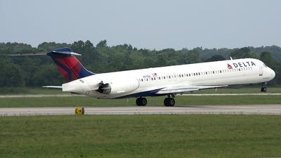 N911DL - McDonnell Douglas MD-88 - Delta Air Lines